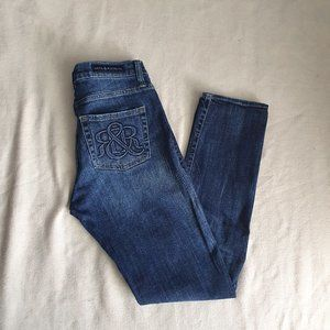 Rock & Republic Berlin Mid Rise Skinny Jeans 10